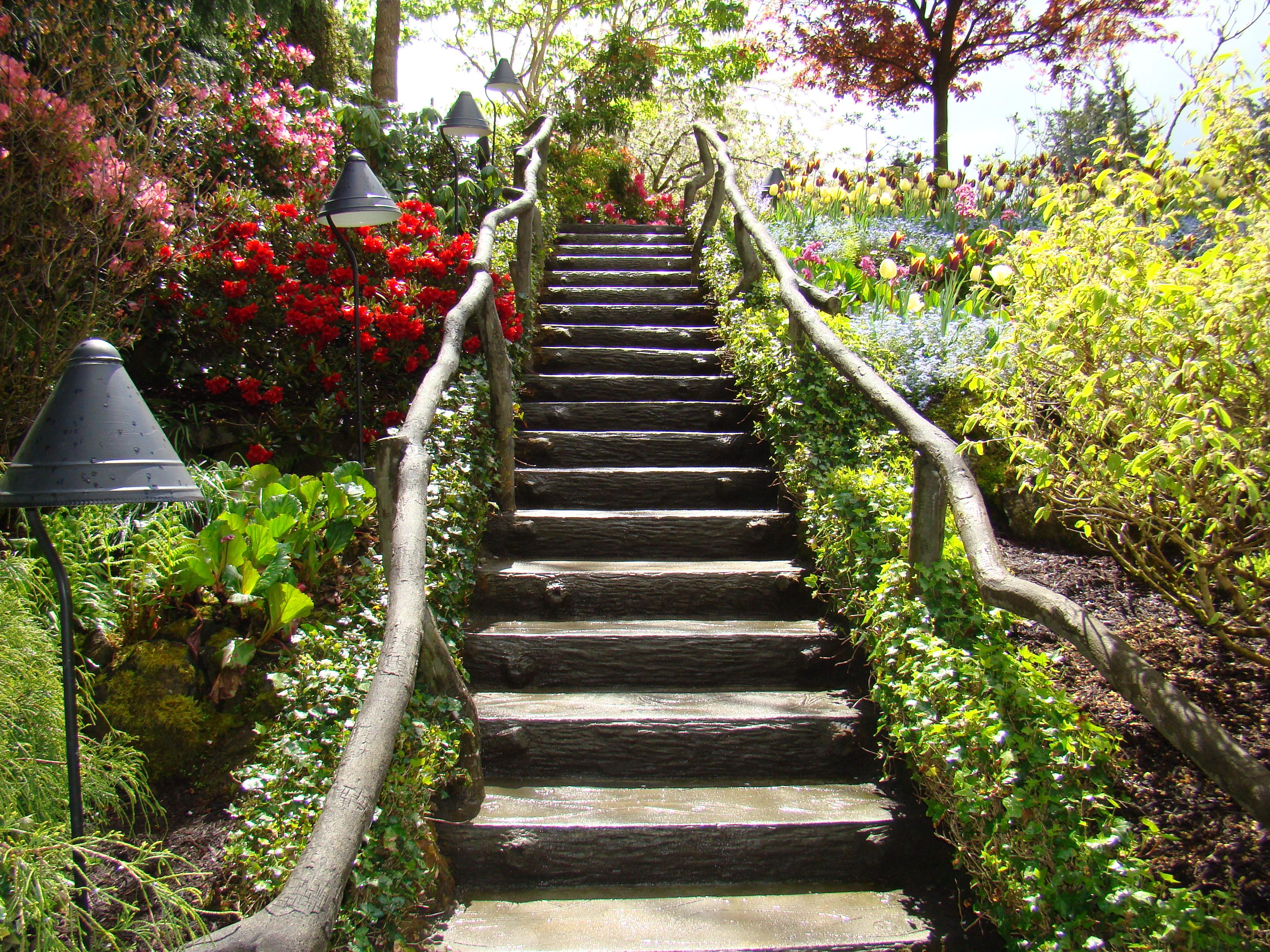 Em 1939, os Butcharts deram os jardins ao neto Ian Ross (19181997) no