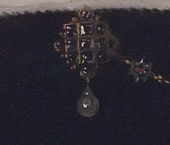 up close of pendant